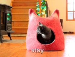 Red cat bed cot, wool cat house. Christmas gift for cat. Cat nap cat sleeping place.
