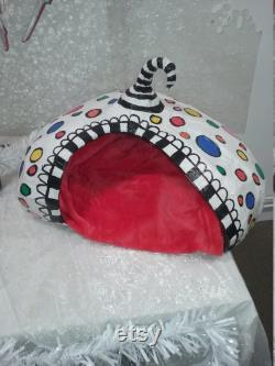 Spotty cat pod , cat cave, cat house handmade one of a kind , great for a cat Christmas gift cat lovers gift .really cute cat bed
