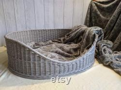 Wicker dog bed, small size dog basket, pet bed, basket for dogs and cats, pet basket made of natural material