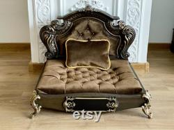Wood Baroque Oak Pet bed, Dog bed, Pet Furniture, Luxury pet sofa, Carved wood, Quilted velvet, Engraved name plate, Antique look, Bespoke