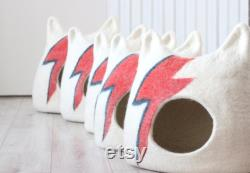 Ziggy Stardust Cat bed. Aladdin Sane cat bed. Bowie cat cave. Wool cat house. Gift for pets.