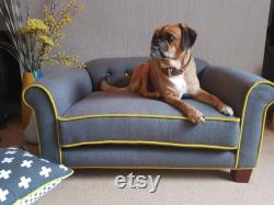 Luxury Contrast Piped Dog Bed